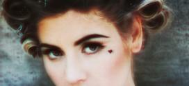 Album Νο4 for 2012 Marina and the Diamonds «Electra Heart»